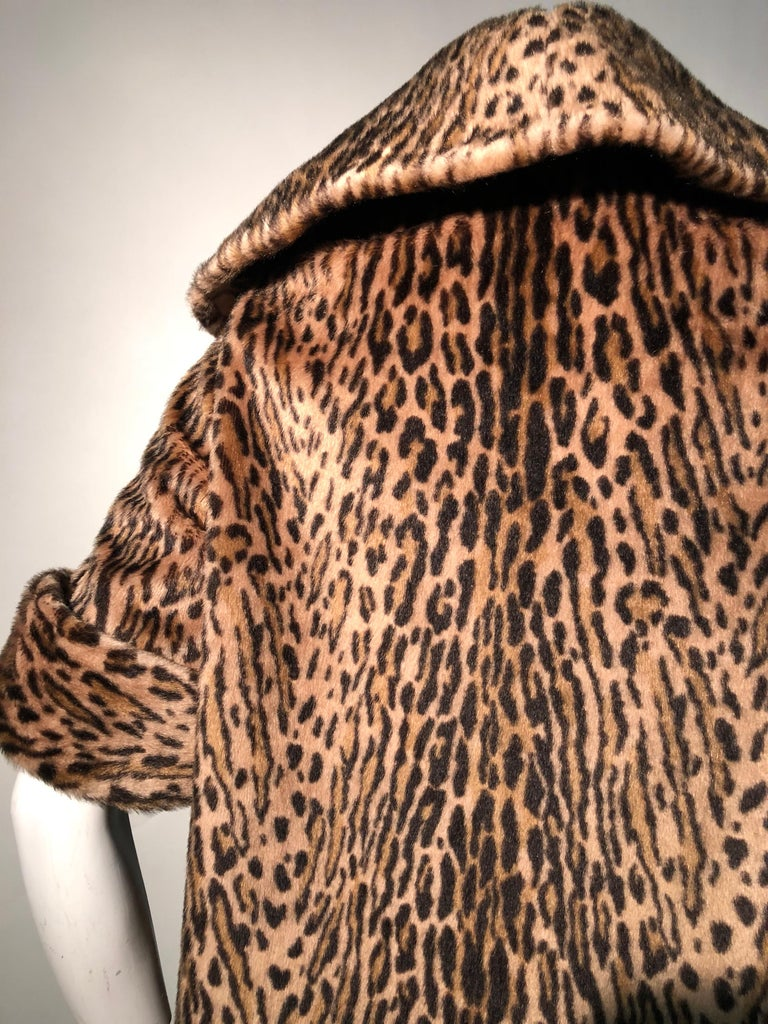 1950s Kashan Faux Leopard Fur Swing Coat With Shawl Collar  In Excellent Condition For Sale In San Francisco, CA
