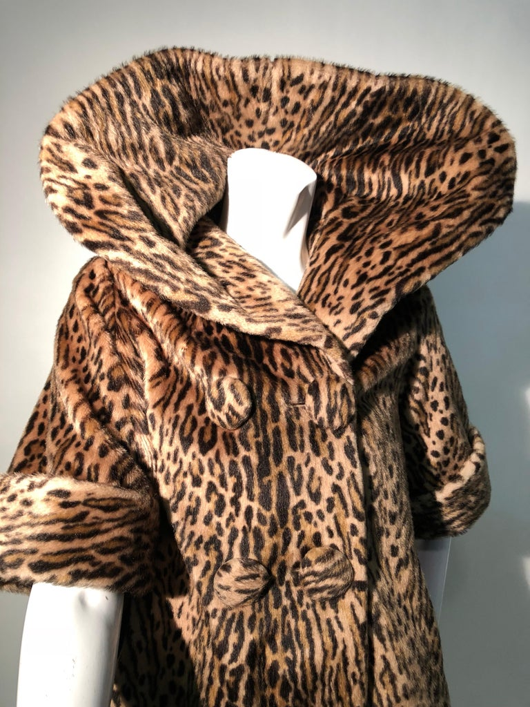 1950s Kashan Faux Leopard Fur Swing Coat With Shawl Collar  For Sale 2