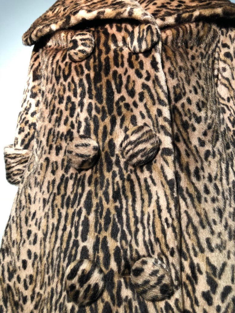 1950s Kashan Faux Leopard Fur Swing Coat With Shawl Collar  For Sale 3