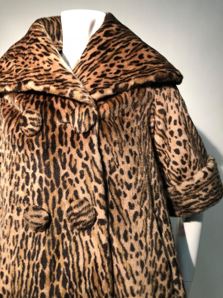 1950s Kashan Faux Leopard Fur Swing Coat With Shawl Collar  For Sale 4
