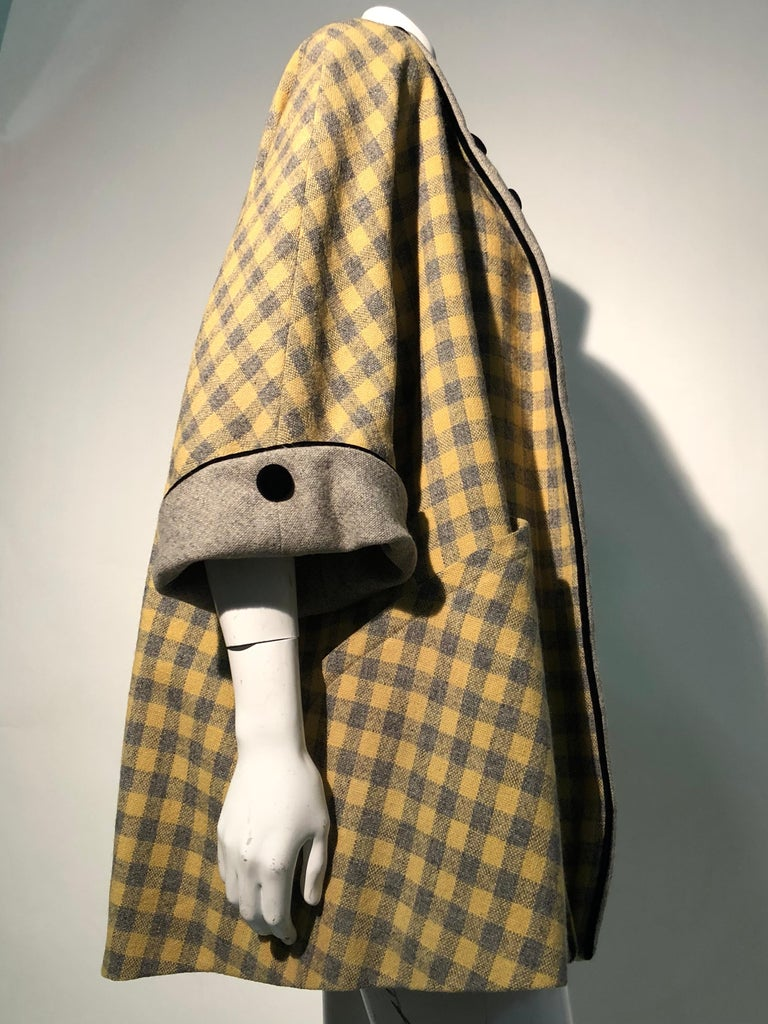 1950s Pierre Benoit Yellow & Gray Checked Wool Stroller Coat W/ Velvet Buttons 5