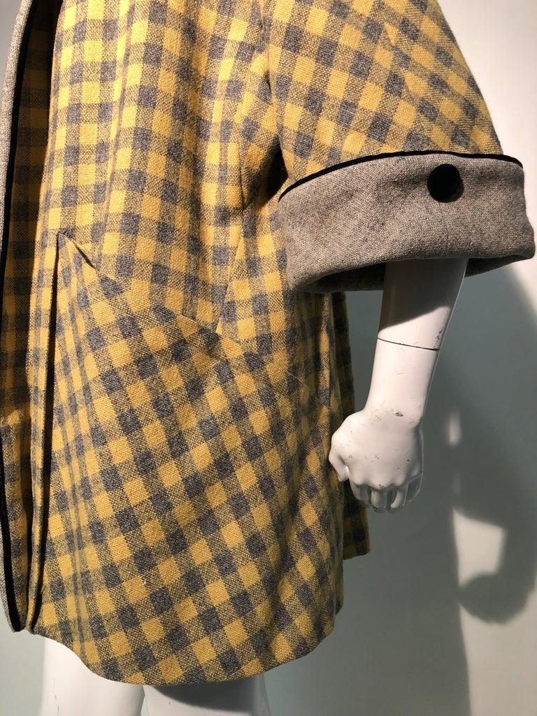 1950s Pierre Benoit Yellow & Gray Checked Wool Stroller Coat W/ Velvet Buttons 11
