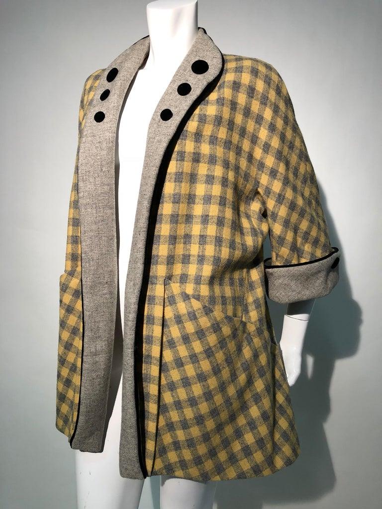 1950s Pierre Benoit Yellow & Gray Checked Wool Stroller Coat W/ Velvet Buttons 13