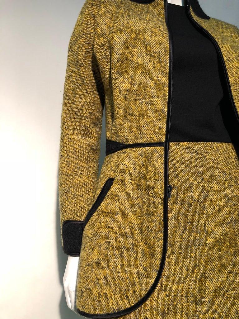 1990s Geoffrey Beene Goldenrod & Black Wool 2-Piece Tweed Dress and Jacket  For Sale 4