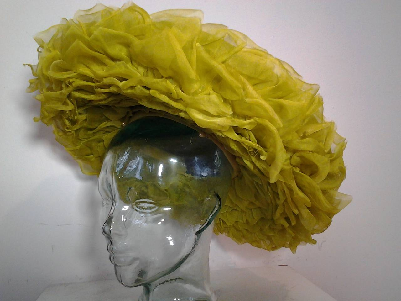 1940s Irina Roublon Huge Lime Green Organza Petal Brimmed Hat In Excellent Condition For Sale In San Francisco, CA