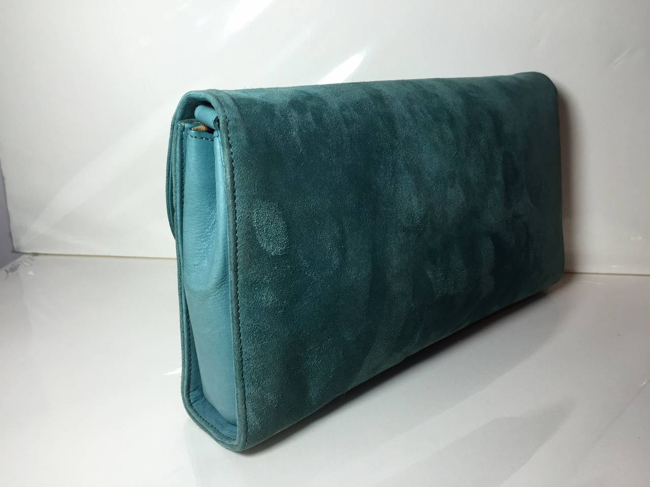1970s Gucci Turquoise Suede Clutch / Shoulder Bag with Enameled Closure 5
