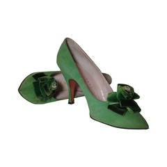 1950s Herbert Levine Kelly Green Stiletto Pumps w/ Lavish Velvet Flower at Vamp