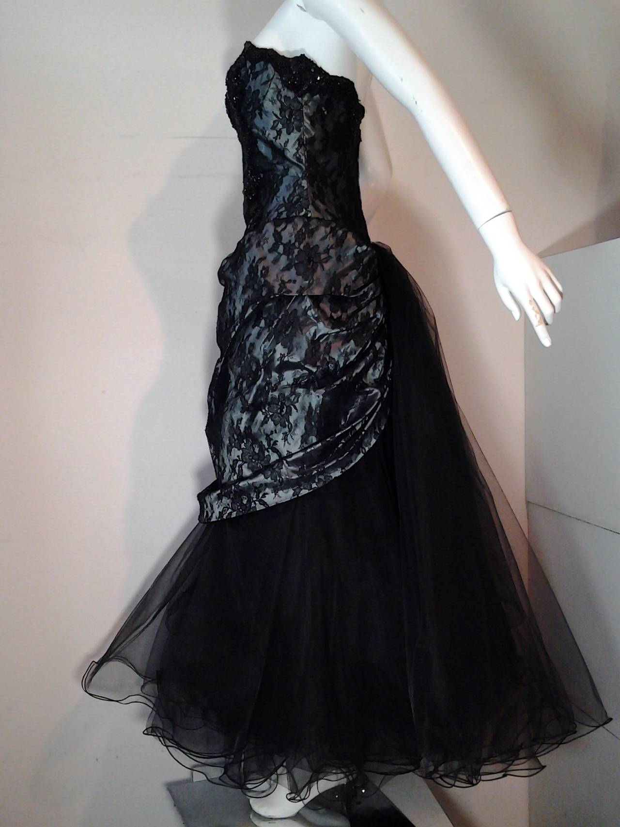 "1980s Vicky Tiel Couture ""Giselle"" Beaded Black Lace / Steel Blue Satin Gown In Excellent Condition For Sale In San Francisco, CA"