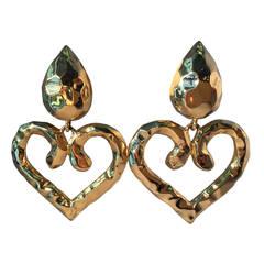 """1980s Les Bernard """"Hammered"""" Finish Large Gold Heart Pendant Earrings"""