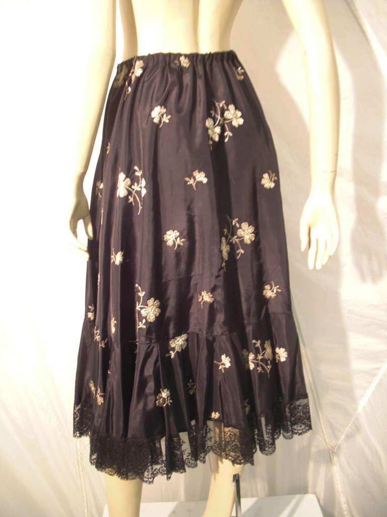 1950s  Lame Embroidered Taffeta Slip Skirt w/ Ruffle and Lace Trim 4