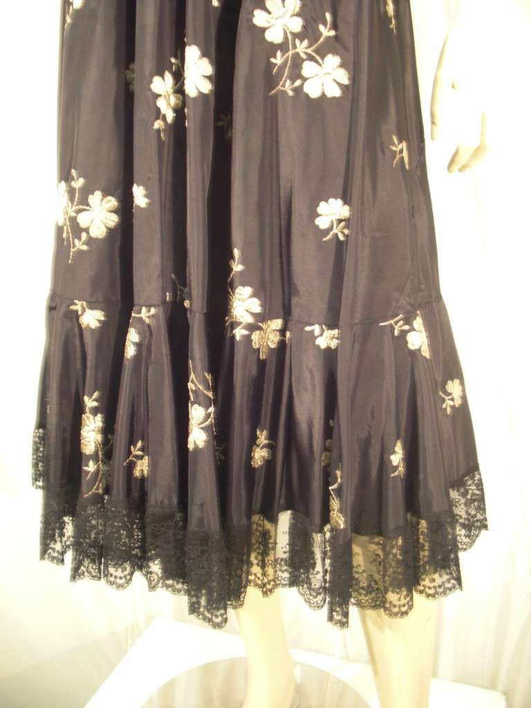 1950s  Lame Embroidered Taffeta Slip Skirt w/ Ruffle and Lace Trim For Sale 1