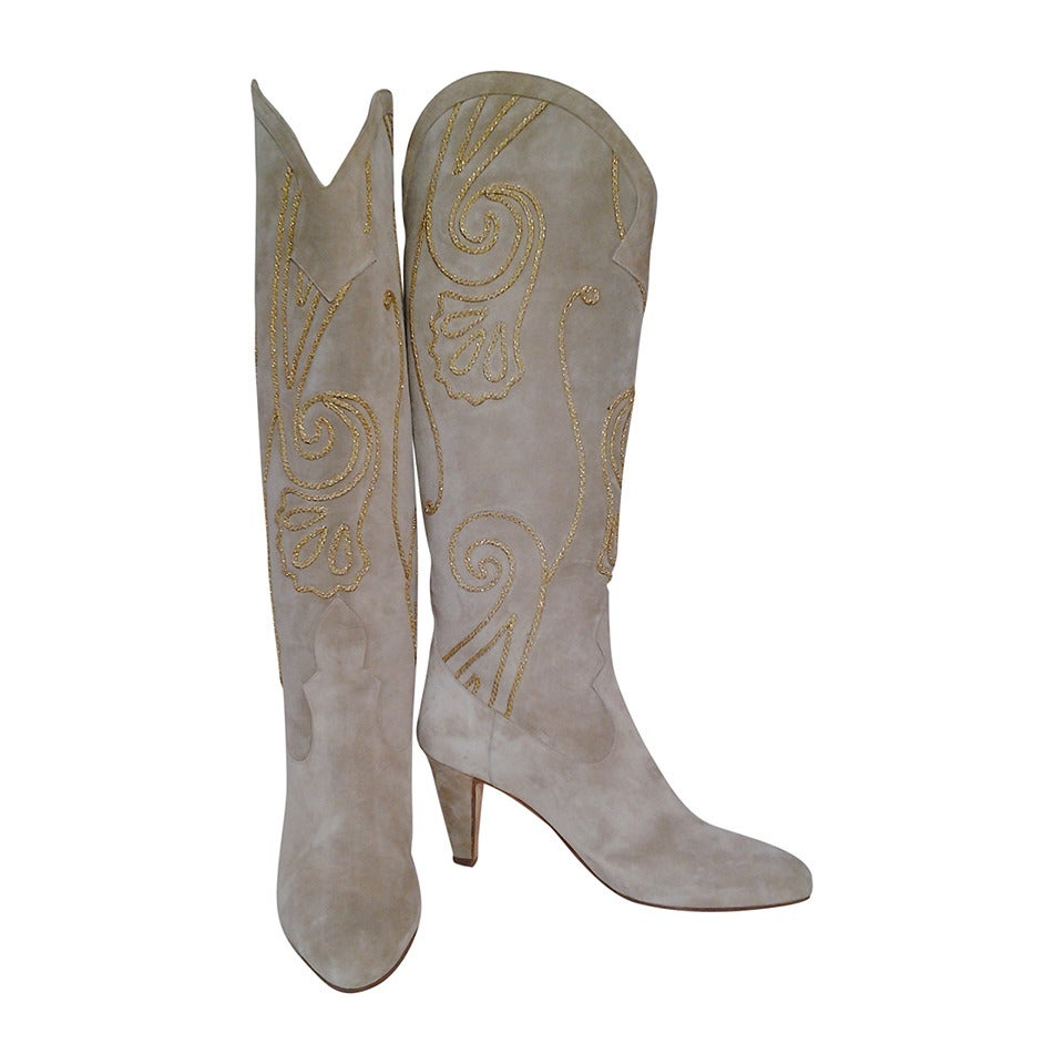 1980s Andrea Pfister Taupe Suede Western Boots w/ Gold Soutache Braid For Sale