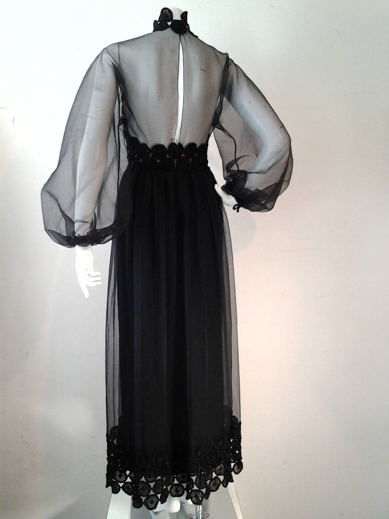 1970s Werle Hostess Gown in Black Chiffon and Circular Lace In Excellent Condition For Sale In San Francisco, CA
