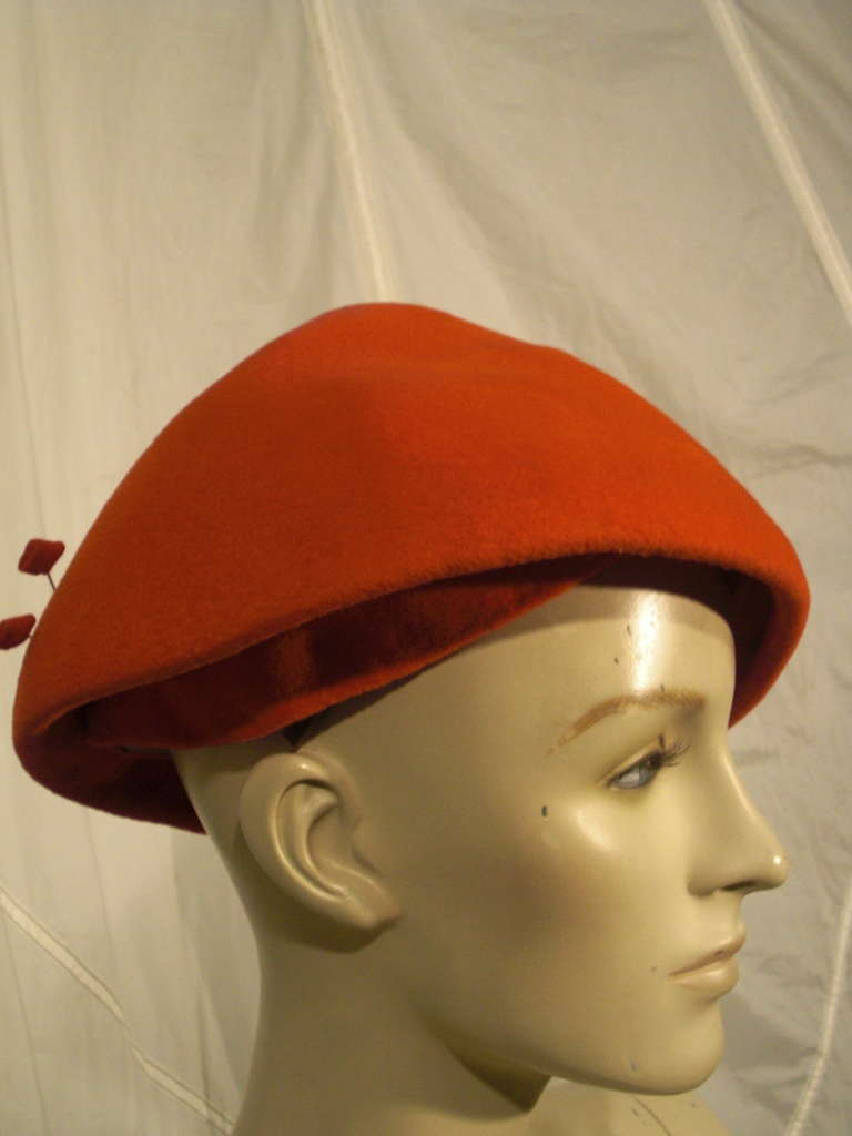Brown 1950s Emme Sueded Cashmere Bullet Hat in Persimmon For Sale