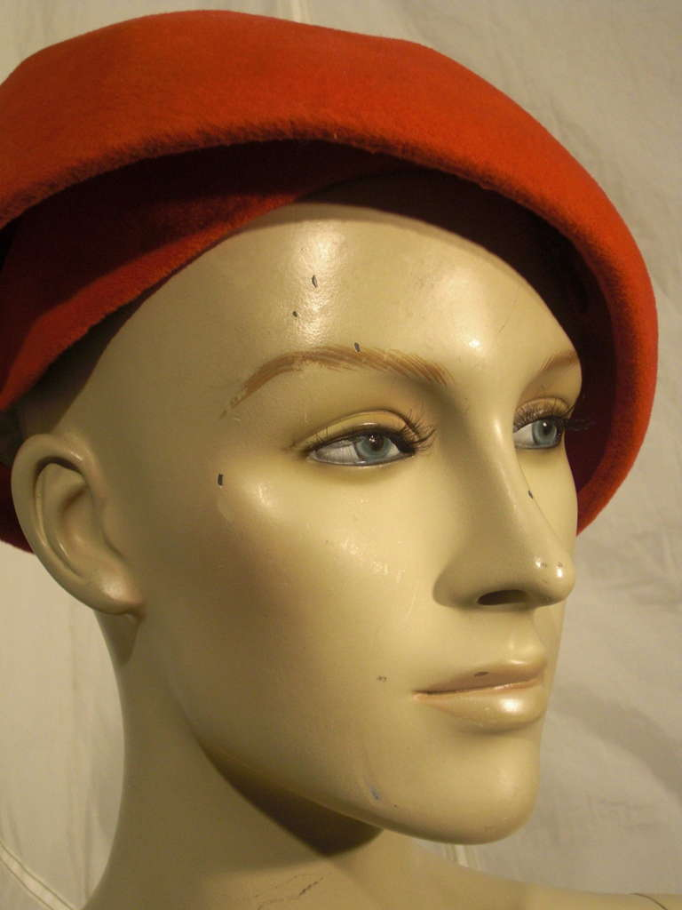 1950s Emme Sueded Cashmere Bullet Hat in Persimmon For Sale 1