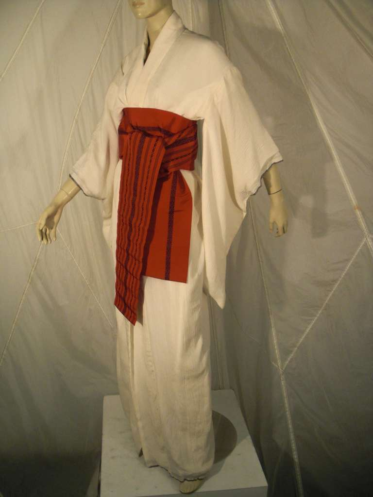 Beige 1970s White Traditional Kimono of Micro-Pleated Silk w/ Red Obi For Sale