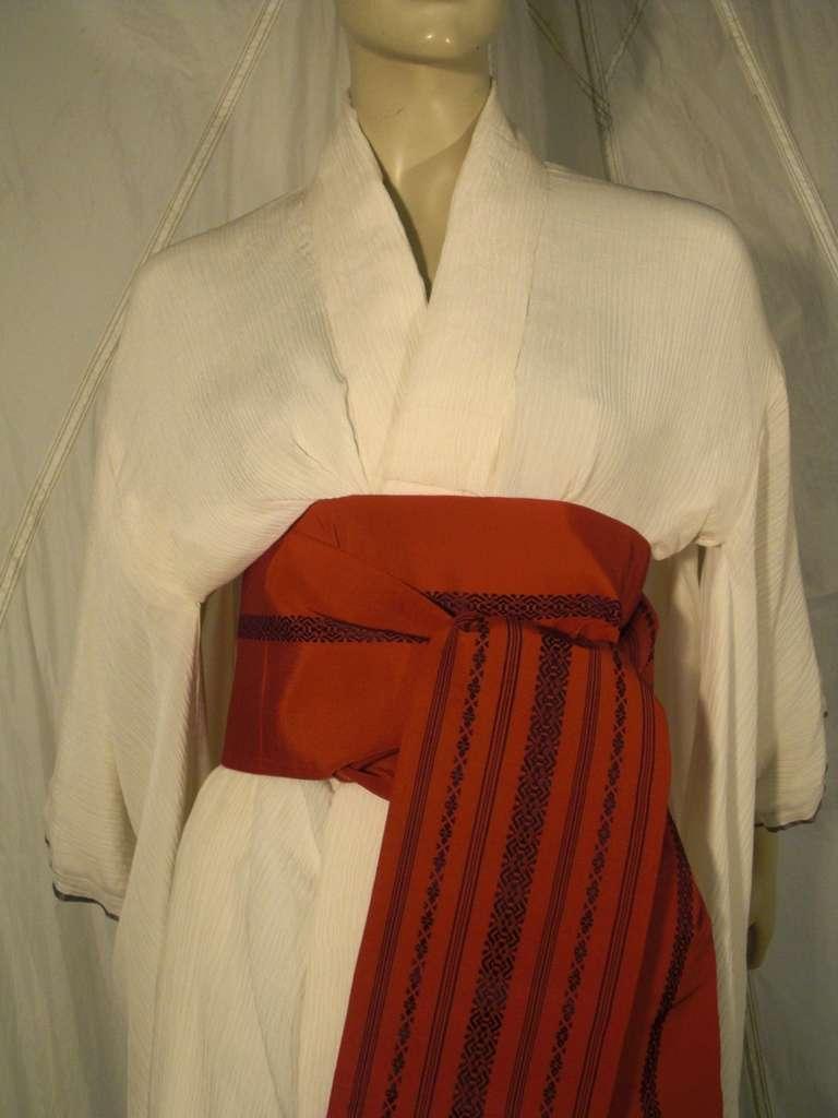1970s White Traditional Kimono of Micro-Pleated Silk w/ Red Obi For Sale 1