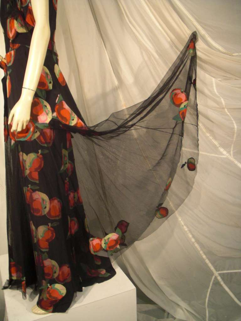 1930s Silk Net and Crepe Gown and Skirt Overlay w/ Apple Print Applique In Excellent Condition For Sale In San Francisco, CA