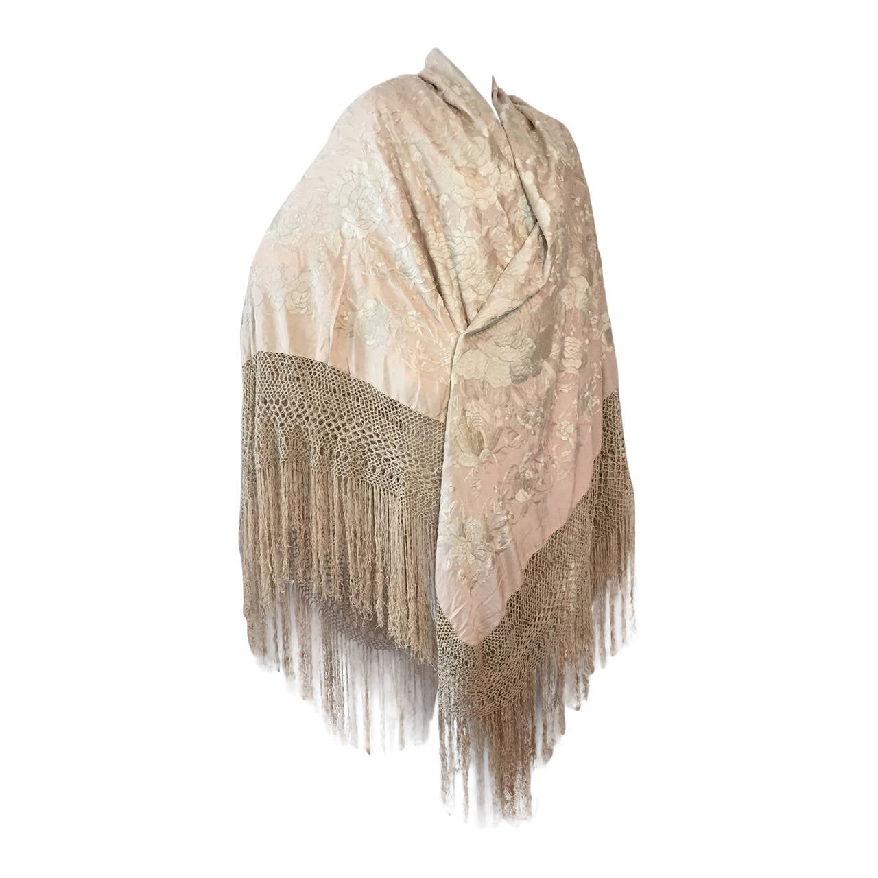 1920s Cantonese Embroidered and Fringed Silk Shawl in Blush and Pearl For Sale