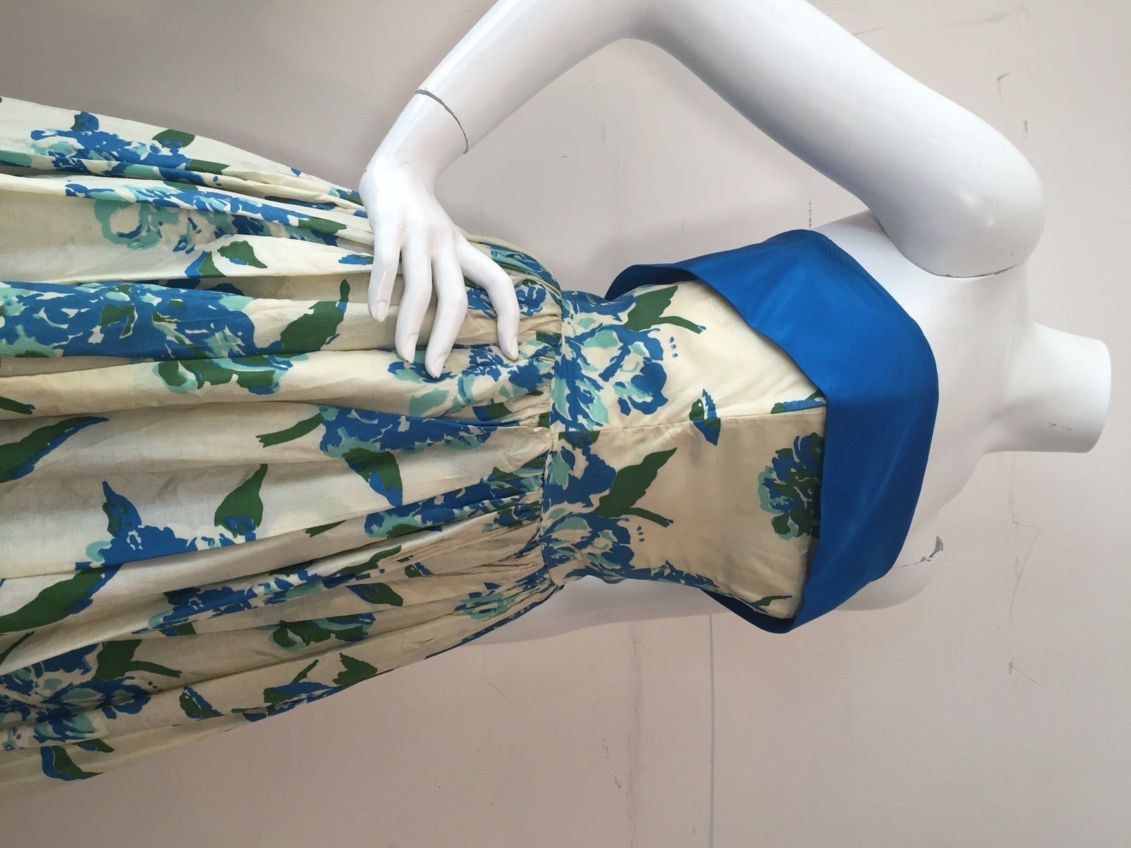 1950s Silk Floral Print Strapless Summer Dress in White, Blue and Green 3