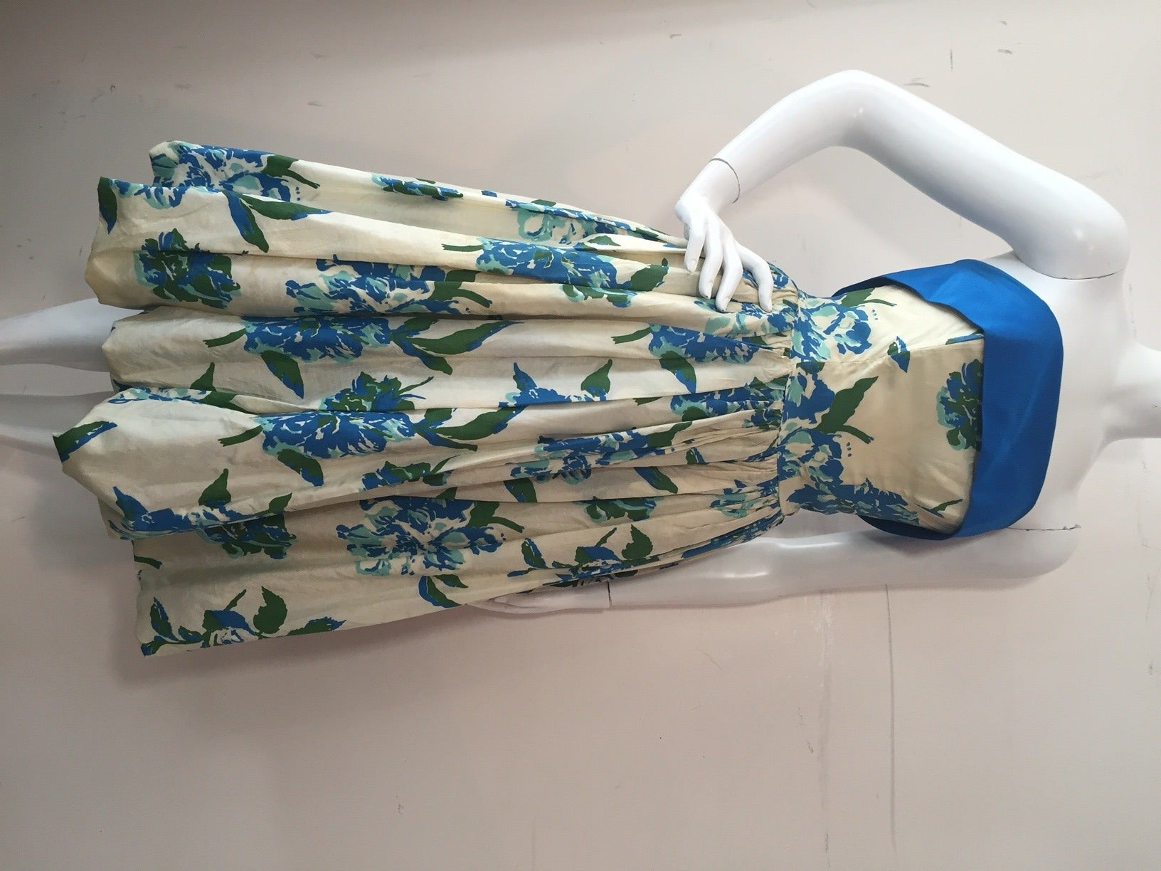 1950s Silk Floral Print Strapless Summer Dress in White, Blue and Green 4
