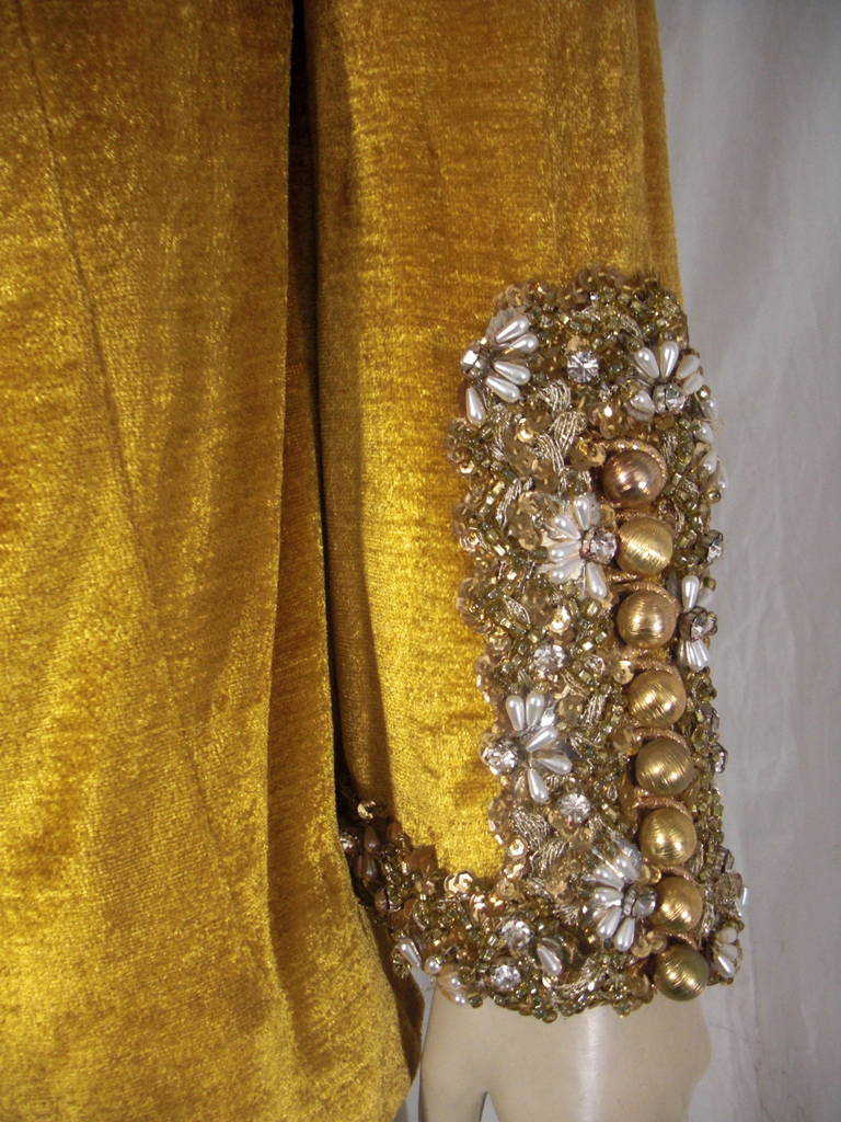 1960s Gold Crushed Velvet Beaded Tunic In Good Condition For Sale In San Francisco, CA