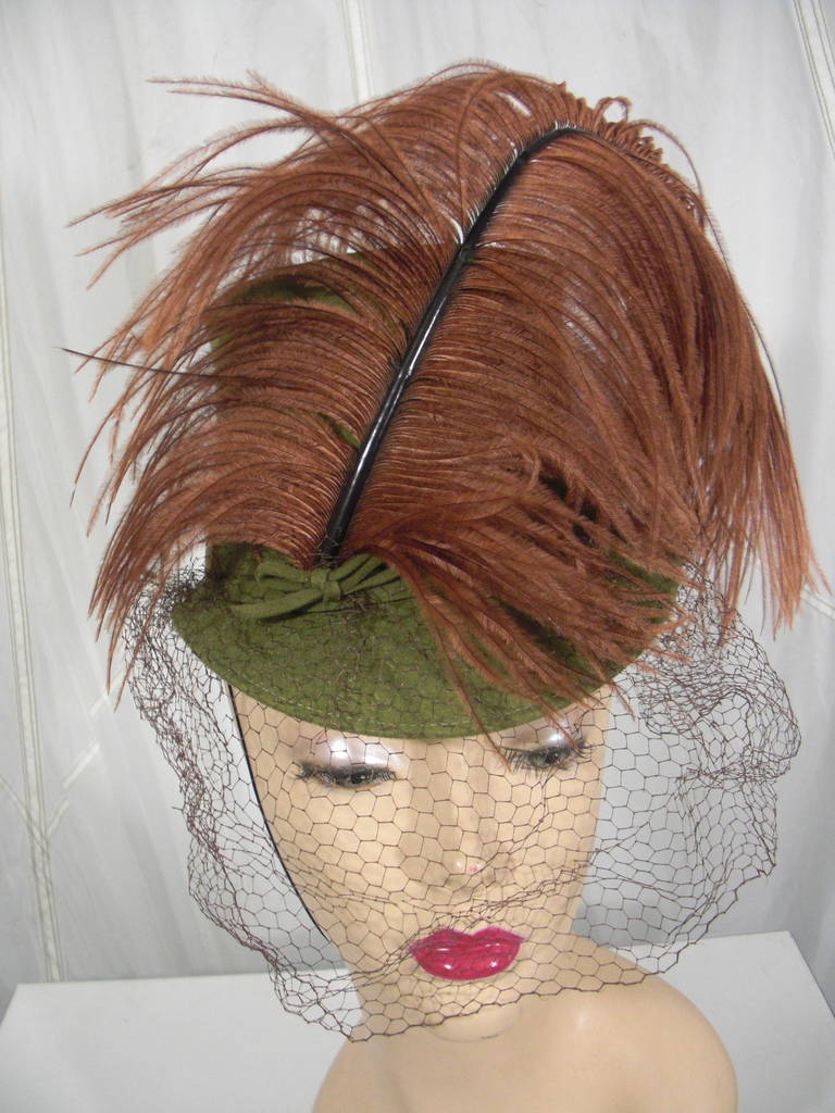 1940s Sage Green Felt Hat with Brown Feather Quill 2
