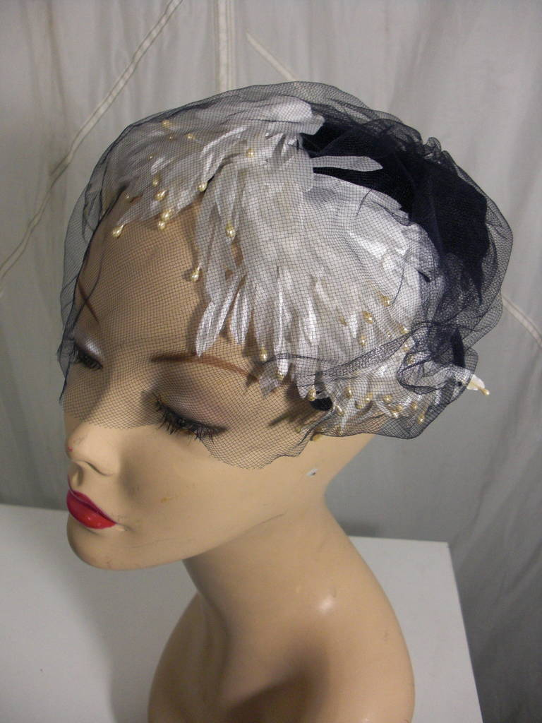1950s White and Black Faux Feather and Pearl Cocktail Hat with Veil For Sale 1