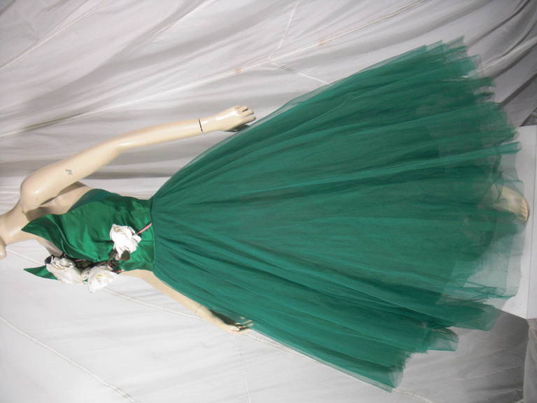 1950s Nanty of Paris Silk and Tulle Ball Gown with Floral Accents For Sale 2