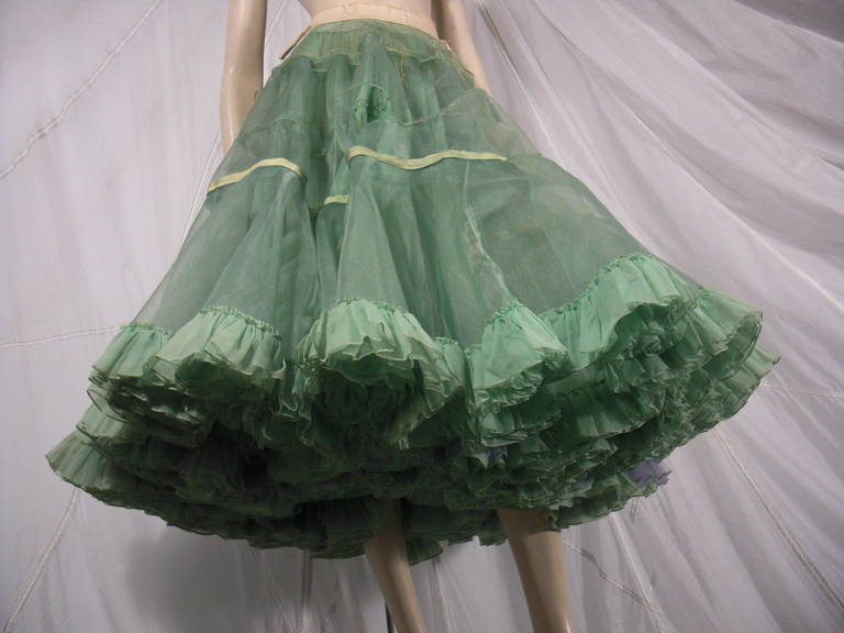 1950s Nanty of Paris Silk and Tulle Ball Gown with Floral Accents For Sale 3