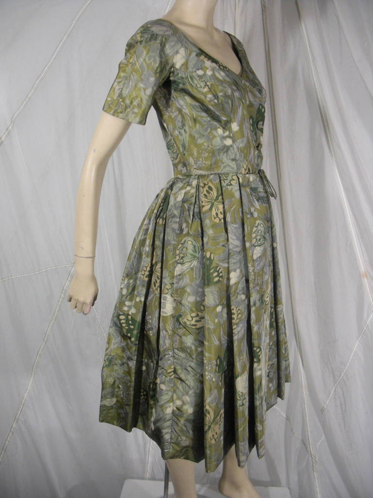 Gray 1950s Galanos Silk Print and Knife Pleat Cocktail Dress For Sale
