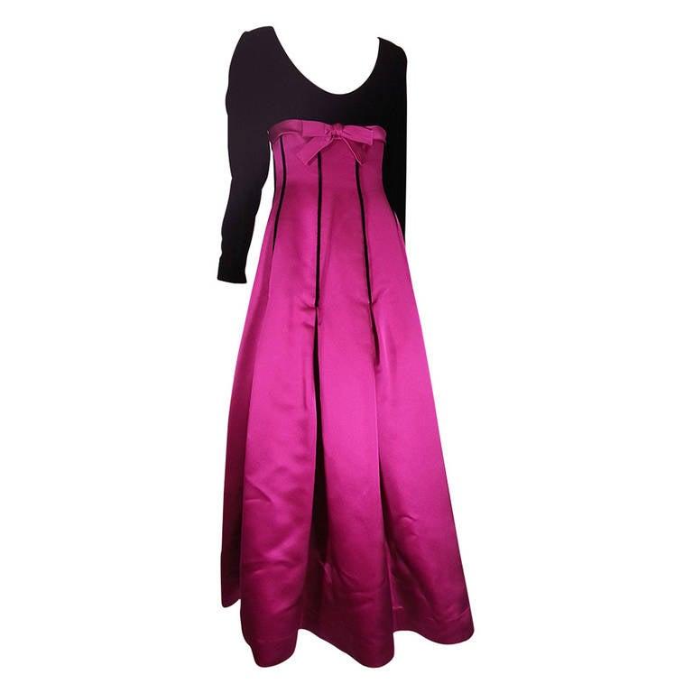 Oscar de la Renta Duchess Silk Satin and Black Velvet Ball Gown For Sale