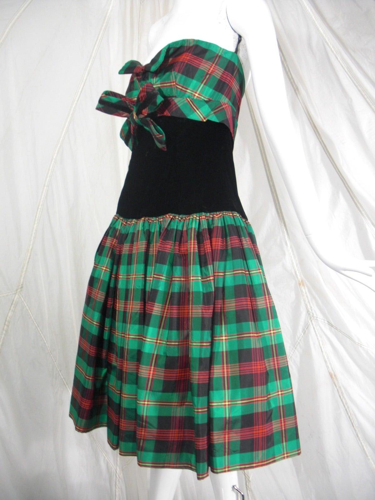 Victor Costa for SAKS 5th Avenue Green Plaid and Velvet Dress 4