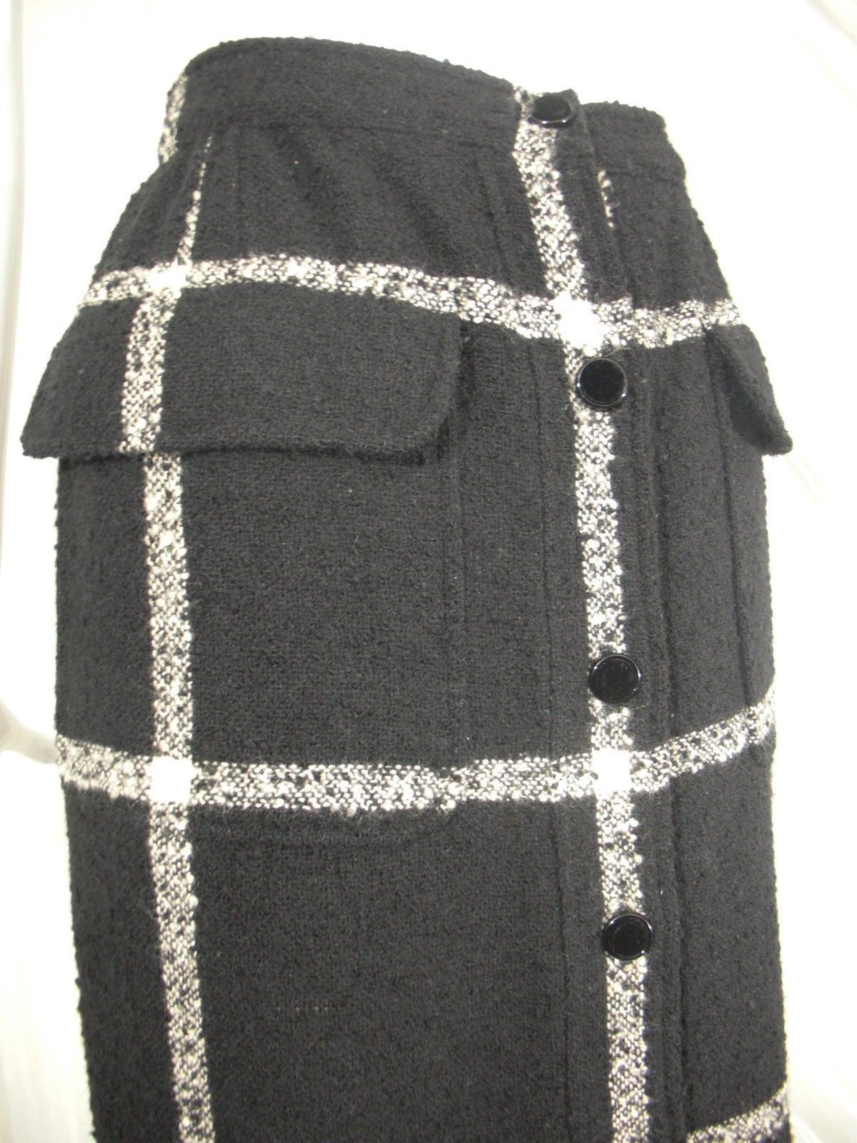 Valentino Window-Pane Wool Skirt with Button Closure and Fringe Hem 3