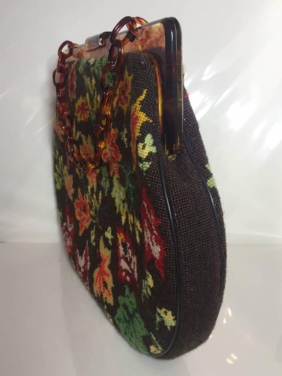 1950s Autumn Leaves Needle Point Handbag with Celluloid Frame and Chain In Excellent Condition For Sale In San Francisco, CA