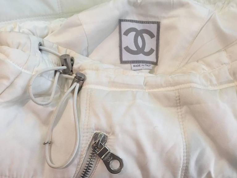 Chanel Autumn 2000 White Quilted Puffer A-Line Skirt w/ Side Zip 3