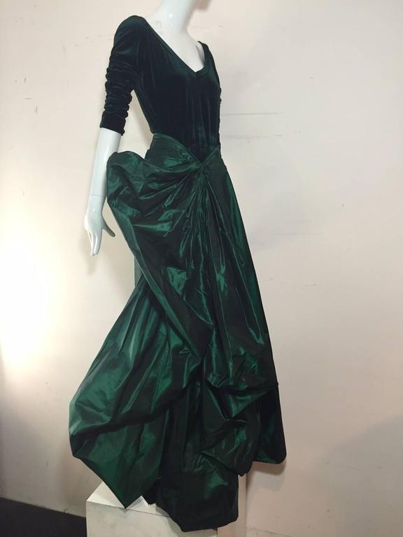 1990s Gianfranco Ferre Forest Green Silk Taffeta and Velvet Ball Gown For Sale 3