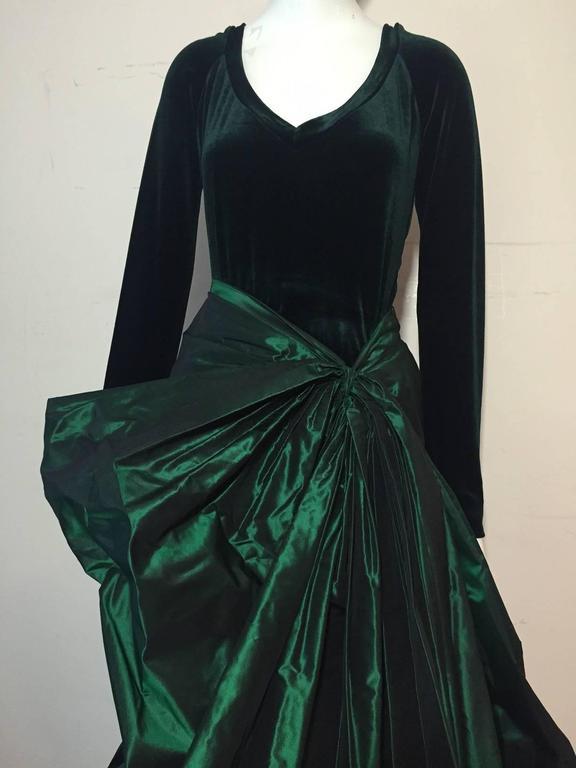 1990s Gianfranco Ferre Forest Green Silk Taffeta and Velvet Ball Gown For Sale 5