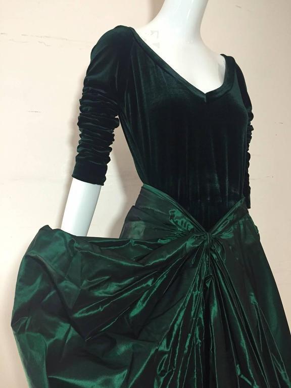 1990s Gianfranco Ferre Forest Green Silk Taffeta and Velvet Ball Gown For Sale 4