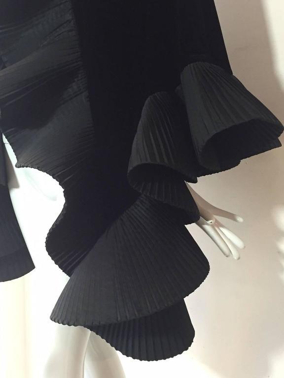 1980s Extravagant Silk Taffeta Ruffled Velvet Evening Wrap