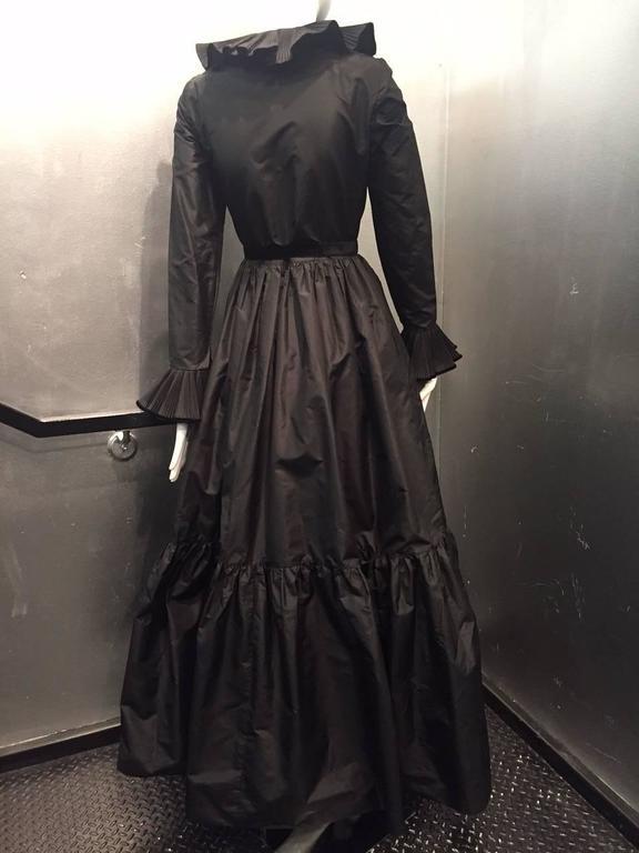 1970s Oscar de La Renta Black Taffeta Peasant-Inspired Evening Gown w/ Ruffles  6