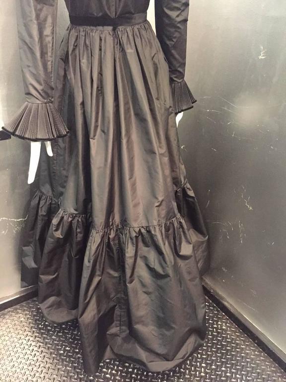 1970s Oscar de La Renta Black Taffeta Peasant-Inspired Evening Gown w/ Ruffles  8