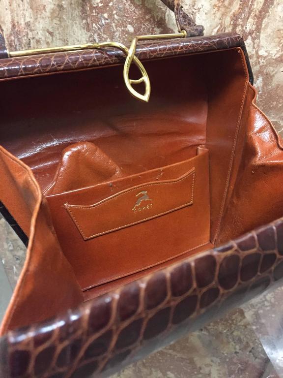 Black 1950s Koret Brown Alligator Structured Handbag w Gold-Tone Clasp For Sale