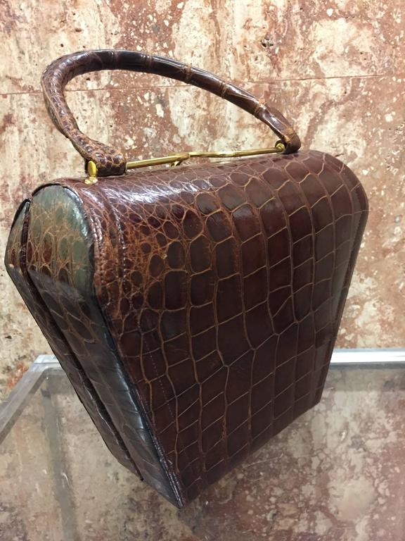 Women's 1950s Koret Brown Alligator Structured Handbag w Gold-Tone Clasp For Sale
