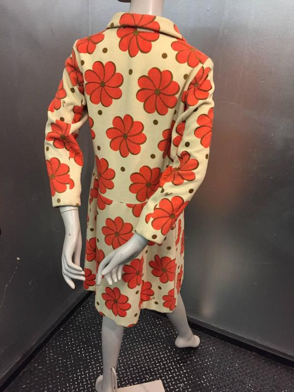 1960s Pierini Cream Italian Wool Coat in a Fabulous Orange Daisy Print 2