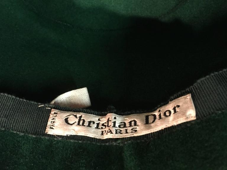 1960s Christian Dior Evergreen Velvet Felt Fez Style Hat W/ Knit Back Bow For Sale 1