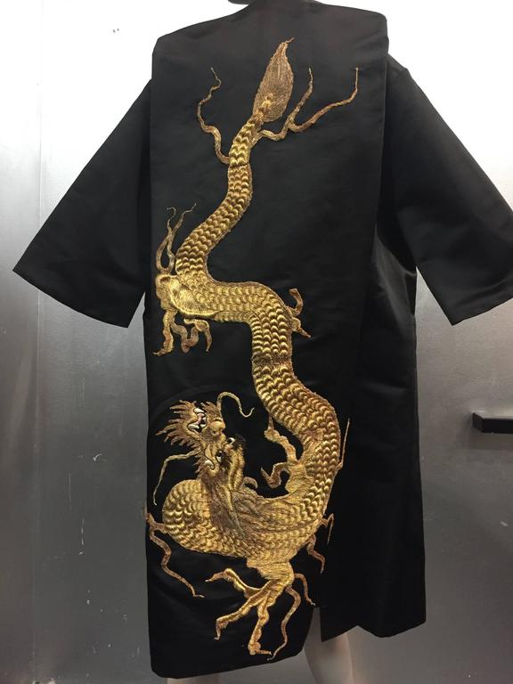 1950s Black Silk Satin Evening Coat w Stunning Antique Gold Chinese Dragon In Excellent Condition For Sale In San Francisco, CA