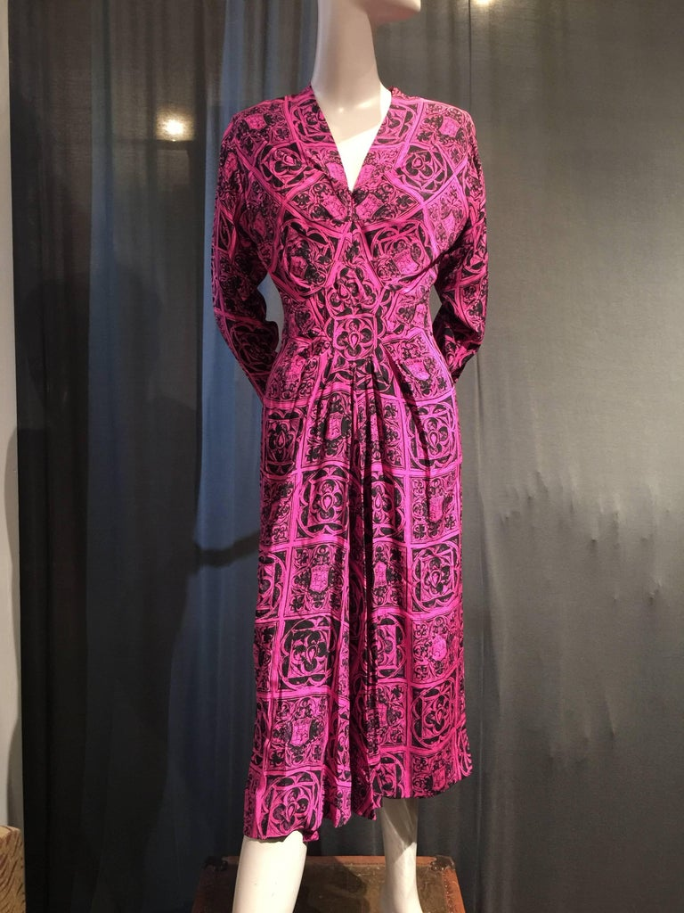 1940s Adrian Magenta and Black Print Dress w Front Slit Diamond Inset and Gather In Excellent Condition For Sale In San Francisco, CA