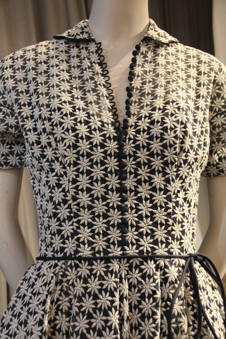 Women's 1950s Ceil Chapman Navy and White Flowered Dress w Full Skirt and Puff Sleeves For Sale