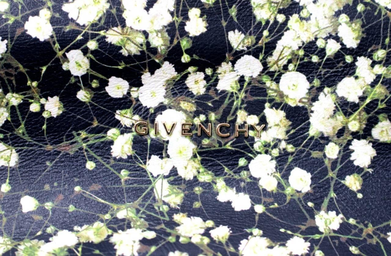Givenchy Black Leather Babys Breath Pandora Messenger Bag 5